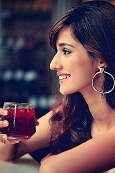Disha Patani is a stye icon for young generation. Know more about disha Age, Height, Sister, Relationship and images on here. Disha Patani Wallpapers, Live Wallpapers, Bollywood Celebrities, Bollywood Actress, Beautiful Celebrities, Beautiful Actresses, Disha Patani Instagram, Disha Patani Photoshoot, Varun Tej