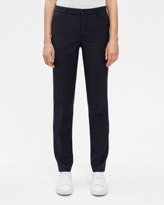 The Luisa trousers are a sharp and modern classic, fitted through the hip with a straight leg. The wool stretch give a luxe finish and the regular waist keep them effortlessly dressed.<br><br>  • Wool stretch<br> • Regular waist <br> • Straight leg <b