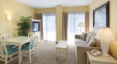 $270 for 2 ngts 2 bdrm suite with full kitchen, living Breakfast $5.99 Hotel Enclave Suites Orlando Universal, FL - Booking.com