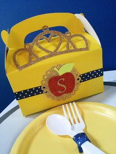 12 Snow White Princess Favor boxes Party box Custom by Glamsweets