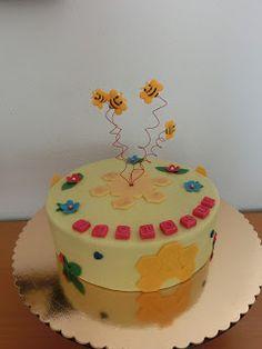 """""""Rot-Knäppchen"""" backt...: 01.10.2017 - Familienfeier Victoria Victoria, Desserts, Cake Ideas, Pies, Red, Backen, Tailgate Desserts, Dessert, Deserts"""
