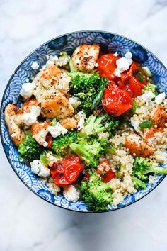 Chicken quinoa bowls have staked their healthy claim on quick and easy meal-prep dinners that are flexible enough to make for take-to-work lunches that never get boring too. quick and easy meals Chicken Quinoa Bowl Recipe, Chicken Recipes, Chicken Salads, Chicken Broccoli Tomato Recipe, Healthy Chicken, Chicken Quinoa Salad, Broccoli Salad, Recipe Chicken, Turkey Recipes