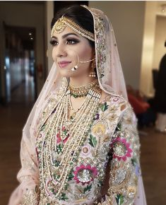 Looking for Bridal Lehenga for your wedding ? Dulhaniyaa curated the list of Best Bridal Wear Store with variety of Bridal Lehenga with their prices Pakistani Wedding Outfits, Indian Bridal Outfits, Indian Bridal Makeup, Pakistani Wedding Dresses, Nikkah Dress, Mehndi Dress, Wedding Hijab, Sikh Wedding, Henna Mehndi