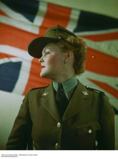 vintage everyday: Beautiful Color Pictures of Canadian Women's Army Corps during World War II