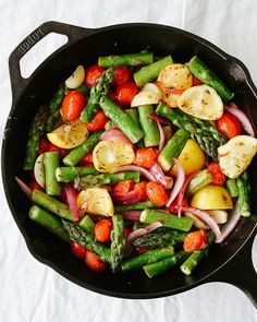 SKILLET ASPARAGUS & TOMATO MEDLEY... Add a white bean and grain of choice to make this a delicious and easy meal.