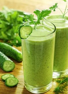 Smoothie recipes for health and wellness. Discover the healing benefits of drinking smoothies every day. Easy Detox, Healthy Detox, Healthy Smoothies, Healthy Drinks, Detox Smoothies, Juicer Recipes, Detox Recipes, Juice Cleanse Recipes, Body Detox Drinks
