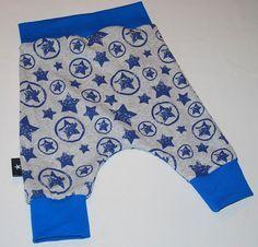 Her kan du se hvor nemt det er at lave sit eget mønster på et par baggy baby bukser. Gratis DIY opskrift guide