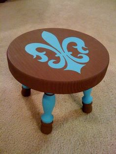 I'd like this stool, but in red & yellow!