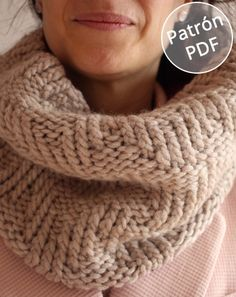 Pattern for knitting a reversible neck with two needles Loom Knitting Projects, Knitting Blogs, Knitting Stitches, Crochet Projects, Knitting Patterns, Knitting Needles, Arm Knitting Tutorial, Types Of Stitches, Types Of Yarn