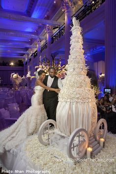 Huge wedding cakes: pictures and prices! : Huge Wedding Huge wedding cakes: pictures and prices! Cake picture gallery,Images of wedding cakes,Wedding cake designs Huge Wedding Cakes, Beautiful Wedding Cakes, Gorgeous Cakes, Amazing Cakes, Dream Wedding, Cake Wedding, Extravagant Wedding Cakes, Magical Wedding, Wedding Reception