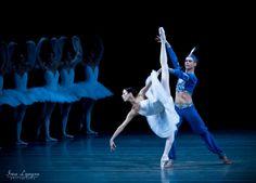 """Victoria Tereshkina and Leonid Sarafanov in """"La Bayadere"""""""