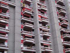 Arquitecte Barba-Corsini, els pisos de la Caixa, Badalona.   Трансфер в Барселоне ! русский гид в Барселоне Отдых в Barcelona - http://barcelonaturservice.com/jekskursii.html