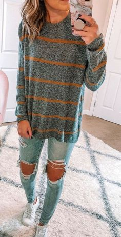 Nice 36 Stunning Fall Outfits Ideas You Should Copy Right Now Spring outfits - Summer outfits - fashion outfits - casual fashion Doc Martens Outfit, Fall Winter Outfits, Autumn Winter Fashion, Spring Outfits, Winter School Outfits, Winter Clothes, Cute Outfits For Fall, Fall Fashion, Cute Sweater Outfits