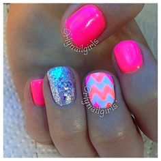 I like the color and sparkles @SamClaflinsWife not the zig zag I'm sick if the zig zag lol