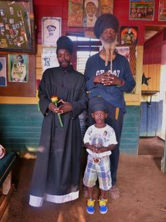 .. Rastafarian Culture, Fade Up, Silverback Gorilla, Jah Rastafari, Afro Men, Haile Selassie, African Royalty, Jamaica, Black Love Art