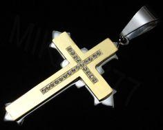 Pingente Crucifixo 100% em aço inox maciço.