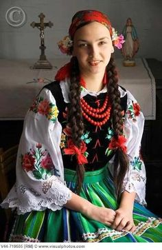 Traditional costume, Lipce Reymontowskie, Poland Lisa Brown ♥♥ via Deanna Lane Rogers onto Our Tribes & Cultures of the World Folklore, Costumes Around The World, Ethnic Dress, Mode Masculine, Folk Costume, World Cultures, Ethnic Fashion, People Around The World, Traditional Dresses