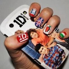 I want this to be done to my nails! Minus the one direction logo.and I can survive without the phone case as well. One Direction Logo, One Direction Nails, One Direction Outfits, One Direction Photos, Zayn Malik, Niall Horan, Cute Nail Designs, Cool Phone Cases, Phone Covers