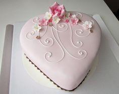 Ristiäiskakku. Christening cake.