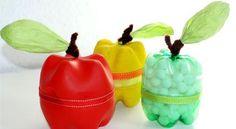 Frutas feitas com garrafas pet