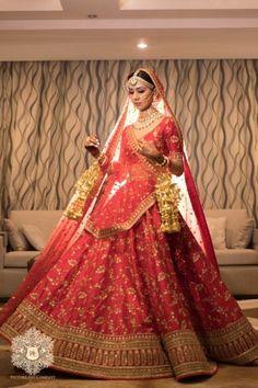 Mirror Work Lehenga for Mehendi - Stunning Delhi Wedding Mehendi Outfits, Bridal Outfits, Bridal Dresses, Indian Dresses, Indian Outfits, Mirror Work Lehenga, Sabyasachi Bride, Pink Lehenga, Indian Bridal Lehenga