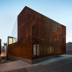 Jutjats de Balaguer (Lleida) | Arquitecturia | Josep Camps, Olga Felip | 2016 + http://hicarquitectura.com/2016/10/arquitecturia-jutjats-de-balaguer/