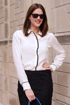 blusa blanca con linea negra