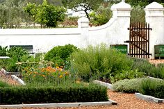 Babylonstoren Boutique Hotel, restaurant and farm sits on 200 acres of remarkable, organic farmlands, orchards, formal vegetable gardens and vineyards.