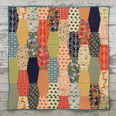 """""""Bathtub Gin"""" quilt made using Bari J's Splendor 1920 and the Sizzix tumbler die, by During Quiet Time Love this take on a tumbler quilt! Lap Quilts, Scrappy Quilts, Small Quilts, Mini Quilts, Quilt Blocks, Paper Quilt, Paper Piecing, Tumbler Quilt, Fat Quarter Quilt"""
