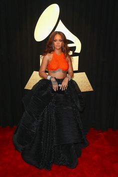 Grammy Awards 2017: Rihanna - Grammy Awards 2017: les robes des stars sur le tapis rouge