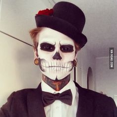 Destroyed a life of a 5 year old at local super market when I walked in like this! Halloween makeup!
