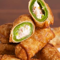 Jalapeño Popper Egg Rolls Are The Appetizer To End All Appetizers is part of Egg roll recipes - Check out this easy recipe for the best Jalapeño Popper Egg Rolls from Delish com! Finger Food Appetizers, Appetizer Recipes, Appetizers Superbowl, Italian Appetizers, Recipes Dinner, Lunch Recipes, Egg Roll Recipes, Bacon Recipes, Recipes With Egg Roll Wrappers