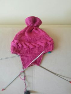 Şapkanın yan ilmek alımı Moda Emo, Dior, Beret, Lana, Crochet Baby, Knitted Hats, Diy And Crafts, Winter Hats, Knitting