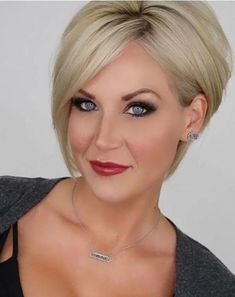 17 More Fresh Layered Short Hairstyles for Round Faces: Classy and Modern Haircut; for round faces 17 More Fresh Layered Short Hairstyles for Round Faces - crazyforus Round Face Haircuts, Hairstyles For Round Faces, Short Hairstyles For Women, Pixie Hairstyles, Everyday Hairstyles, Pixie Haircuts, Fashion Hairstyles, Wedding Hairstyles, Layered Hairstyles