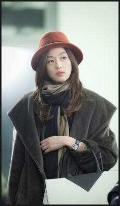 Jeon Ji Hyun as Cheon Song Yi in You Who Came From The Stars drama