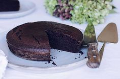 Eggless Chocolate Cake - 1 cups plain flour 1 cup sugar 4 tbs cocoa 1 tsp bicarbonate of soda tsp salt 1 cup water cup vegetable oil 2 tbs white vinegar 2 tsp vanilla extract Cake Recipes In Hindi, Dessert Recipes, Desserts, Eggless Chocolate Cake, Chocolate Recipes, Diwali Snacks, Party Finger Foods, Cooking Time, Sweet Recipes