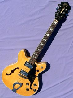 Guitars Gibson, Fender, Guild, Martin, Vintage - Gbase for musicians Jazz Guitar, Music Instruments, Guitars, Bass, Musicians, Musical Instruments, Composers, Music Artists, Guitar