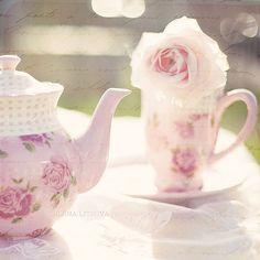 Hay una gran cantidad de poesía y buenos sentimientos en una cajita de té - Ralph Waldo