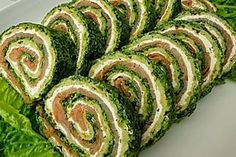 Salmon roll with spinach and cream cheese from Salmon Roll, Vegan Recipes, Snack Recipes, Healthy Vegan Breakfast, High Fiber Foods, Eating Eggs, Low Calorie Snacks, How To Cook Potatoes, How To Eat Less