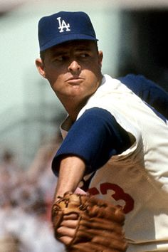 Don Drysdale - Los Angeles Dodgers Best Baseball Player, Baseball Star, Nationals Baseball, Dodgers Baseball, Better Baseball, Baseball Photos, Baseball Cards, Baseball Wall, Dodgers Nation