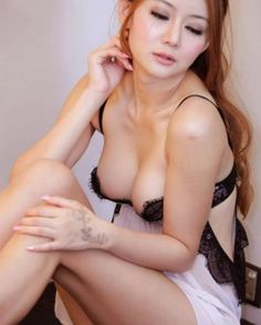 Baby Jenny Model Malaysia Berani Berpose Hot Sampai Bugil