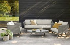 Hosting summer garden parties has never been easier thanks to the Taranto sofa set in gorgeous grey!