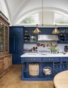 extraordinary kitchen design ideas for you that really like cozy and fresh kitchen page 17 Arts And Crafts Interiors, Arts And Crafts House, Home Crafts, Home Interior, Kitchen Interior, Kitchen Decor, Interior Design, Blue Kitchen Ideas, Blue Kitchen Designs