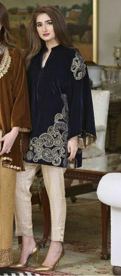 Velvet Fashion, Suit Fashion, Fashion Dresses, Pakistani Party Wear, Pakistani Outfits, Simple Dresses, Beautiful Dresses, Casual Dresses, Colorful Fashion