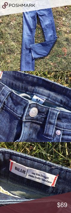 """True Religion Billie Low Rise Straight Jeans 27 Size 27. Inseam: 32"""". Front Rise: 7.25"""". Waist flat: 14.5"""". Super gently preowned. Be sure to view the other items in our closet. We offer  women's, Mens and kids items in a variety of sizes. Bundle and save!! We love reasonable offers!! Thank you for viewing our item!! True Religion Jeans Straight Leg"""