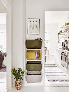 50 Scandinavian ideas to transform your home into chic living - Clever design solution such as wall hanging storage baskets are key to successful Scandinavian design. This helps with organization and helps prevent a small space from getting cluttered. Wall Hanging Storage, Hallway Storage, Hanging Baskets, Hall Storage Ideas, Hallway Inspiration, Interior Inspiration, Hallway Ideas, Entryway Ideas, Small Space Organization