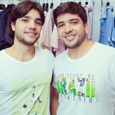 Amanhã é dia de jogo do Brasil e ainda da tempo de você comprar a sua camiseta Loopy para torcer para a nossa seleção com muito estilo.   São dois modelos lindos. TOP.  Esperamos vocês na Loopy - Oscar Freire, 201.   #loopy #loopyoficial #loopyteam #loopynacopa #tatendocopa