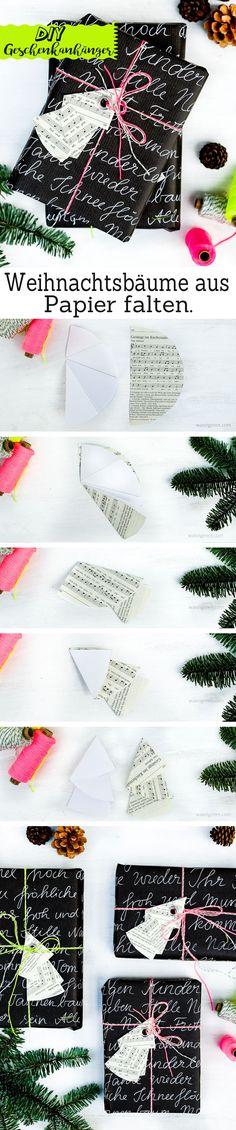 DIY Weihnachtsbaum Geschenkanhänger | aus den Seiten eines alten Gotteslobes falten, eine Öse einschlagen | schwarzes Geschenkpapier Handlettering, neon Garn | waseigenes.com DIY Blog Wrapping Ideas, Christmas Gift Wrapping, Christmas Gifts, Diy Scrapbook, Scrapbooking, Decoration Table, Diy Blog, Advent, Wraps