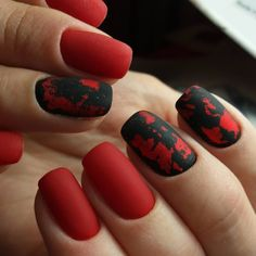 """If you're unfamiliar with nail trends and you hear the words """"coffin nails,"""" what comes to mind? It's not nails with coffins drawn on them. It's long nails with a square tip, and the look has. Classy Nail Art, Elegant Nail Art, Black Nail Designs, Nail Art Designs, Nails Design, Manicure E Pedicure, Red Manicure, Foil Nails, Nail Swag"""