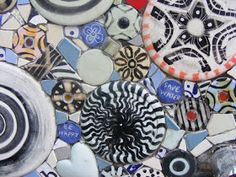 How to Mosaic and make beautiful objects for home and garden: Outdoor shower mosaic on a curved wall.